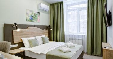 Полулюкс двухместный с одной большой кроватью